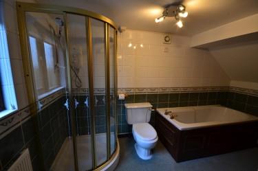 cottage 1 bathroom b