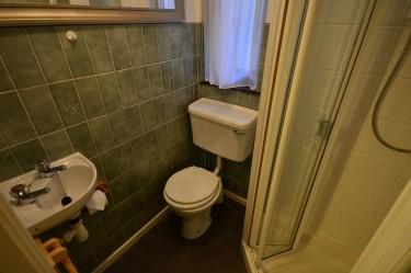 cottage 2 bathroom b