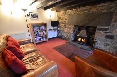 cottage 2 living room c