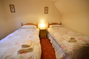 cottage 2 twin bedroom a