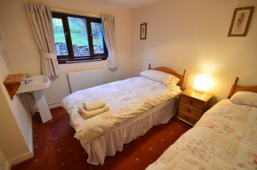 cottage 2 twin bedroom c